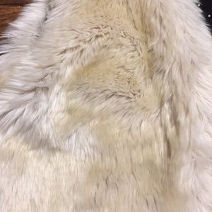 Old Navy Jackets & Coats - Old Navy Girls Faux Fur Vest